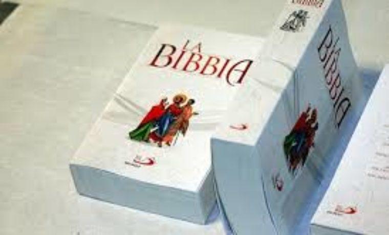 Consegna della Bibbia alle famiglie